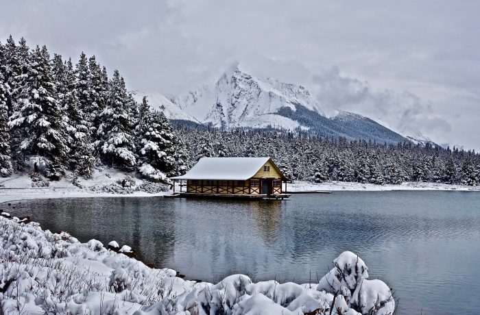 Românii au cheltuit în ţară aproximativ 15 milioane de euro în minivacanţa de Crăciun
