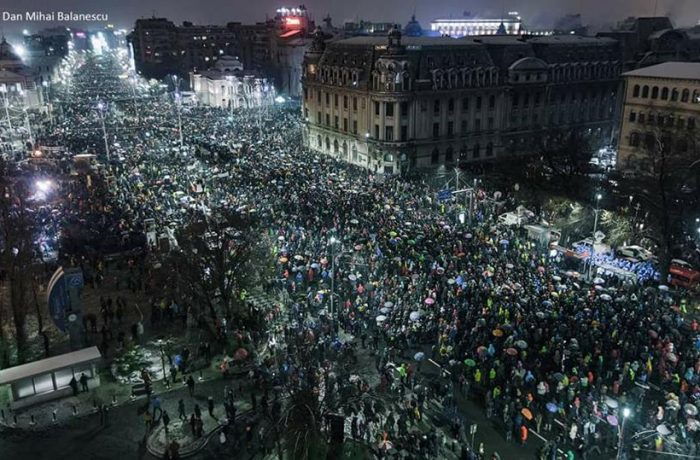 """România protestează: """"Penalii n-au ce căuta la guvernare!"""""""
