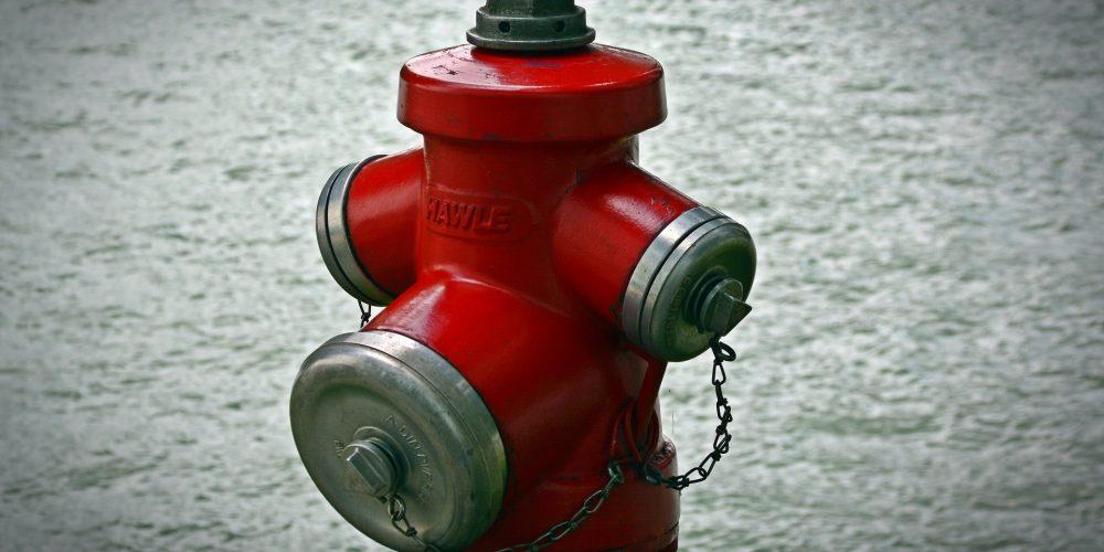 HIDRANT de incendiu, OBLIGATORIU în toate gospodăriile