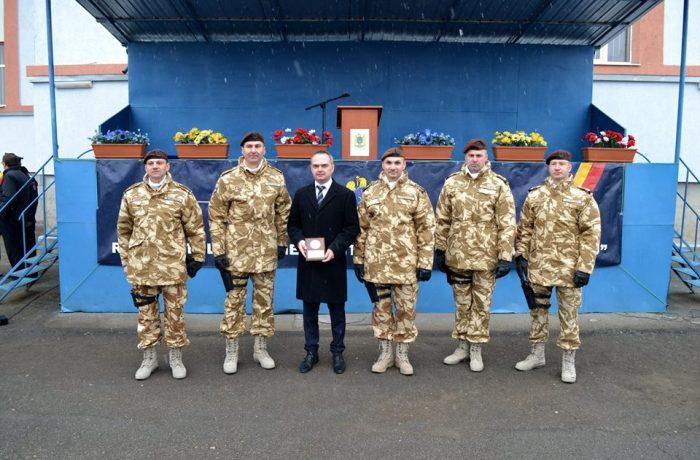 """Cinci militari clujeni, distinşi cu """"Emblema de merit în slujba păcii"""""""