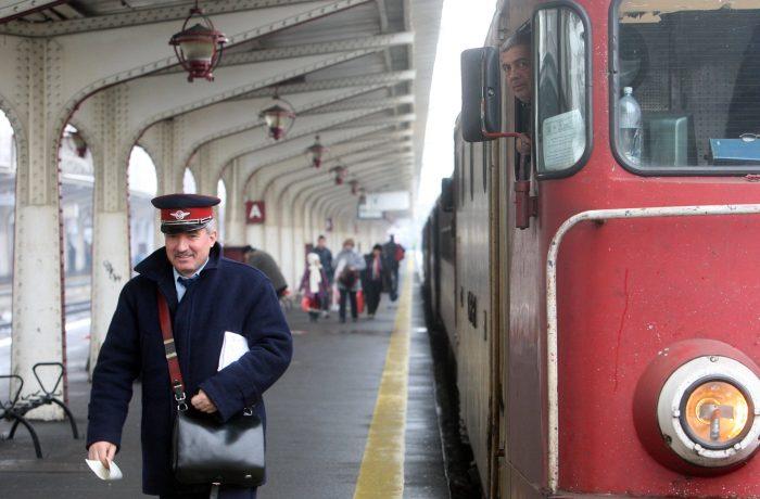 Ceferiștii strâng semnături pentru Statutul Personalului Feroviar și pentru susținerea investițiilor  în calea ferată