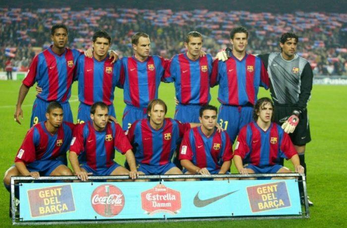Meci de fotbal între Legendele Barcelonei și Generația de Aur a României