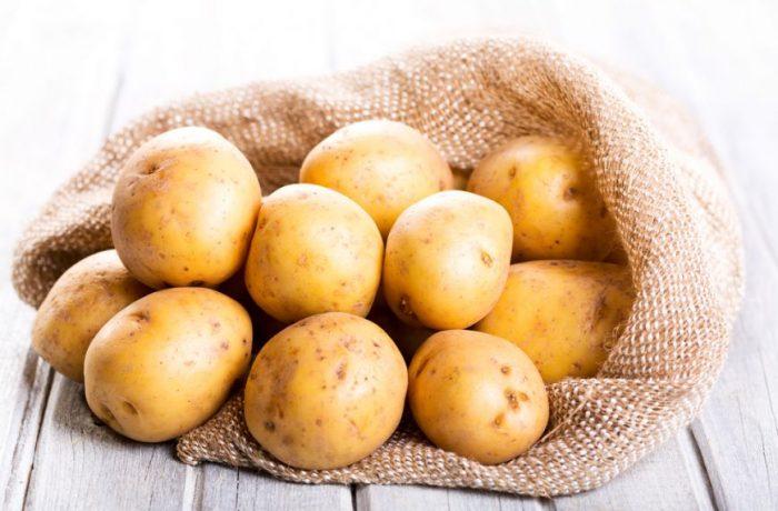 Din cauza ploilor,  prețul cartofilor va crește cu aproape 50%