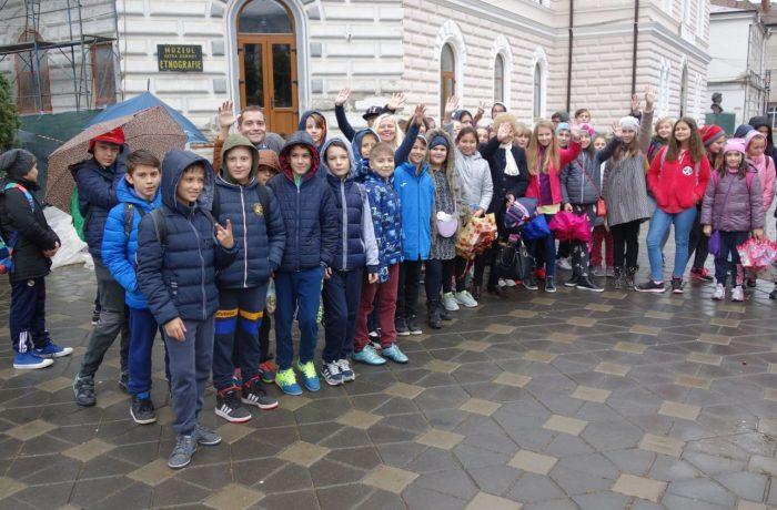 """Excursie """"de integrare"""" pentru elevii claselor a V-a de la Școala """"A. Iancu"""""""