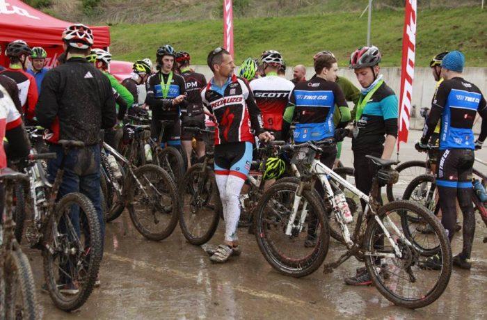 Centenarul Marii Uniri: 100 de biciclişti vor să pedaleze 100 de kilometri, de la Cluj la Alba Iulia!