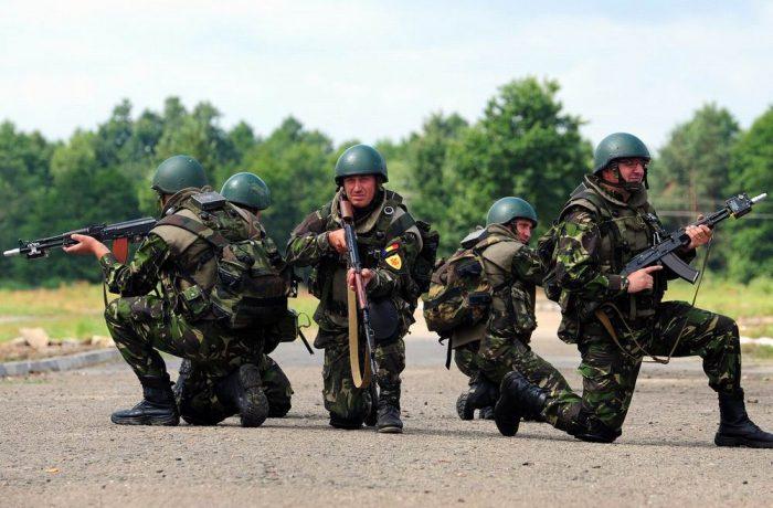 Sondaj: Armata este instituția  în care românii au cel mai ridicat nivel de încredere
