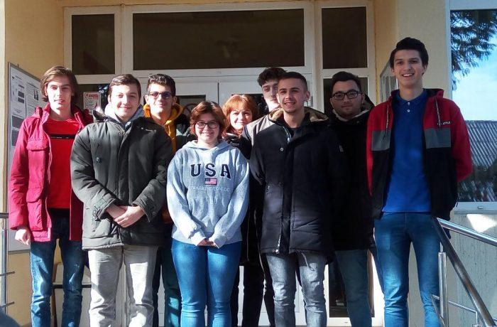 """Patru elevi ai Liceului Tehnologic """"Constantin Brâncuși"""", cei mai buni din județ la  """"Tehnologii"""""""