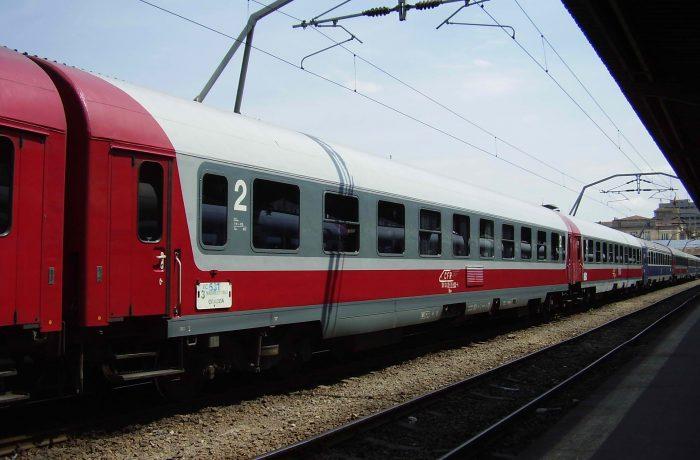 CFR Călători va suplimenta numărul de trenuri, cu ocazia vizitei Papei Francisc