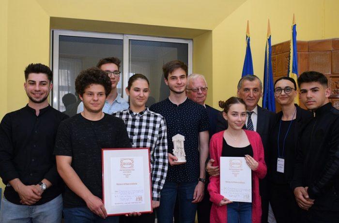 """""""Arlechinii"""" din Dej, au participat cu succes la Festivalul """"Eclairs de Scène"""" din Franța"""