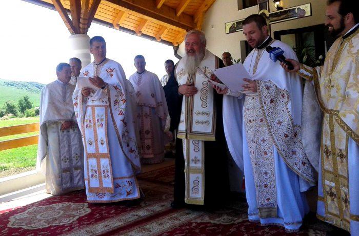 Sfințire de capelă în Cășeiu, în prezența  Înaltpreasfințitului Părinte Andrei Andreicuț