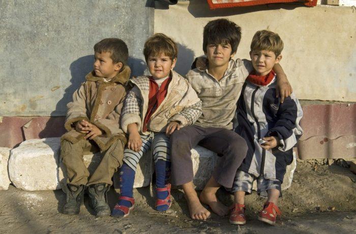 Sărăcia ține România corigentă la capitolul educație