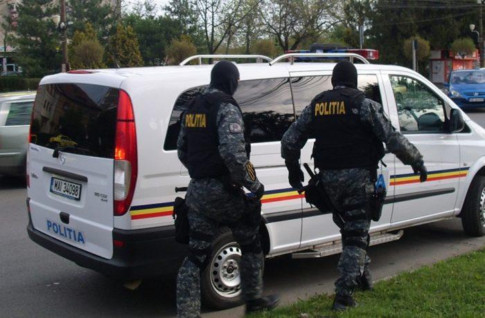 Destructurarea unei rețele de producere și trafic de droguri, care acționa din Cluj și Dej