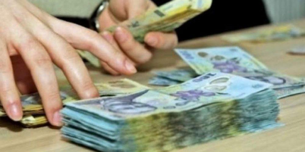 Premierul Florin Cîțu vrea să mărească salariul minim înainte de 1 ianuarie 2022