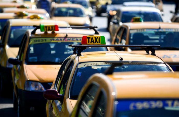 Taxiurile din Cluj, obligate să aibă GPS și POS pentru plata cu cardul