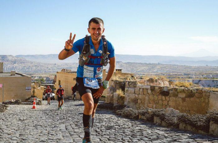 Clujeanul  Vlad Pop aleargă pentru copiii cu afecțiuni oncologice
