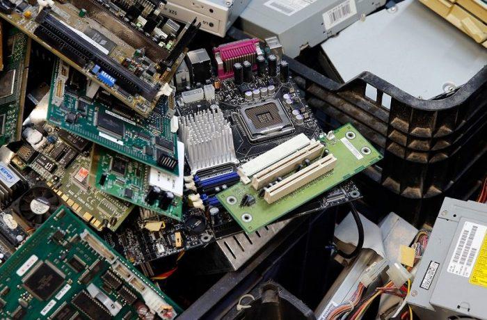 Obligații noi pentru producătorii de echipamente electrice și electronice