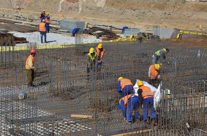 Lucrătorii români au parte de același regim ca cei din Myanmar, Angola, Nigeria sau Pakistan