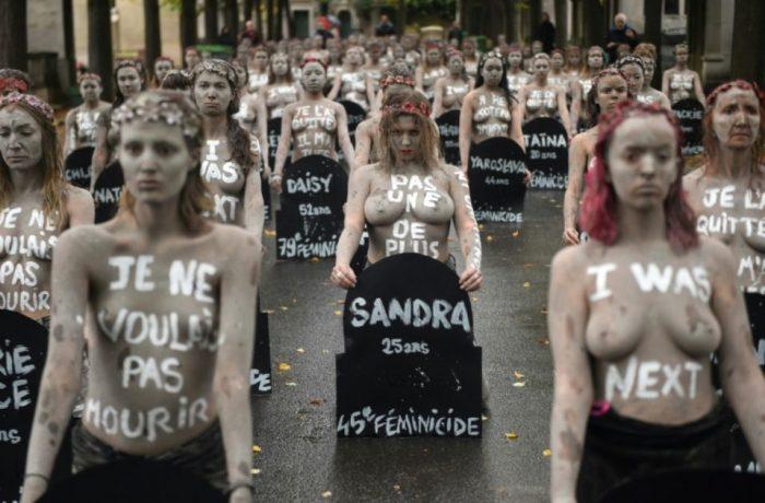 """Franțuzoaicele au protestat împotriva """"femicidului"""""""