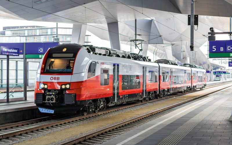 Austriecii introduc al doilea tren expres din Transilvania spre Viena