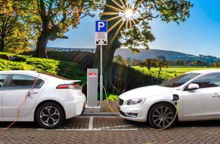 Cresc vânzările de autoturisme ecologice