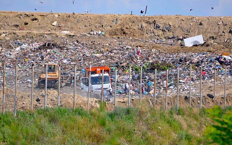 UE va sancționa România pentru gropile de gunoi neecologizate