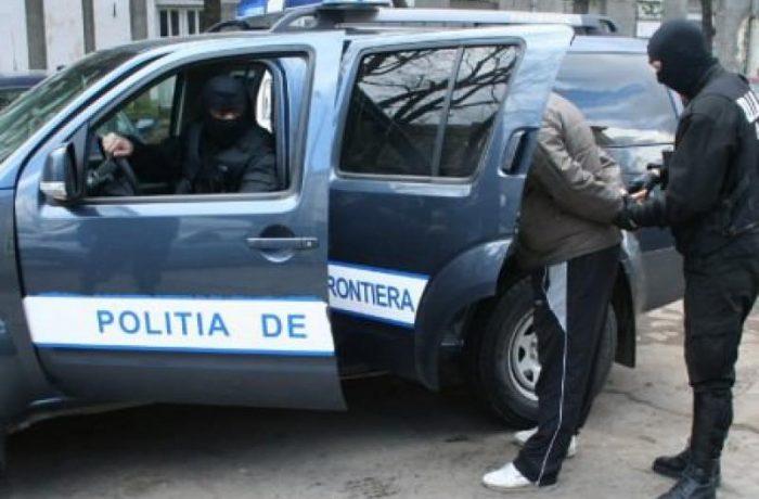 PESTE 3.000 DE URMĂRIȚI, DEPISTAȚI DE POLIȚIȘTI
