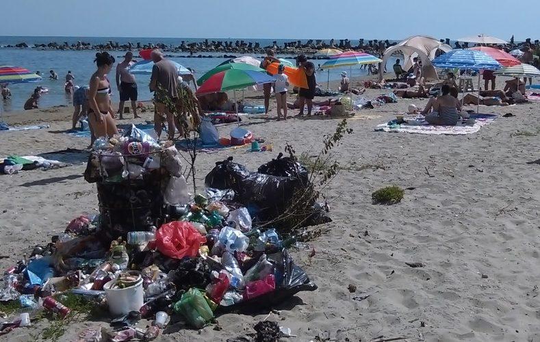 Obiectele din plastic vor fi interzise la evenimentele care au loc pe litoral
