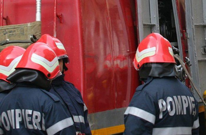 """Fenomenele meteo au pus pe """"jar"""" pompierii clujeni"""