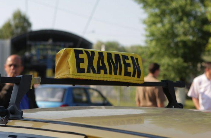 Examenele pentru obținerea permisului de conducere se suspendă de astăzi