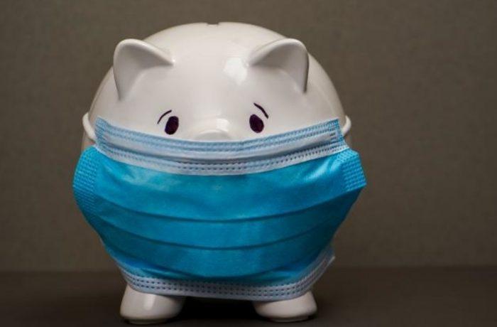 Amânarea plăţii ratelor vine cu o povară mai mare în viitor, avertizeză specialiștii
