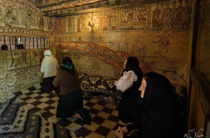 Unele reguli privind participarea la slujbele religioase au fost relaxate