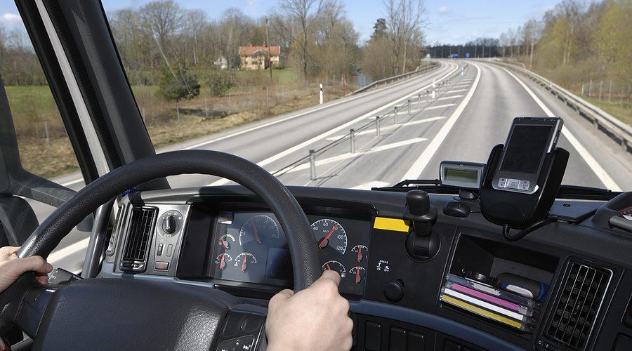 Scade vârsta de la care o persoană poate deveni șofer profesionist