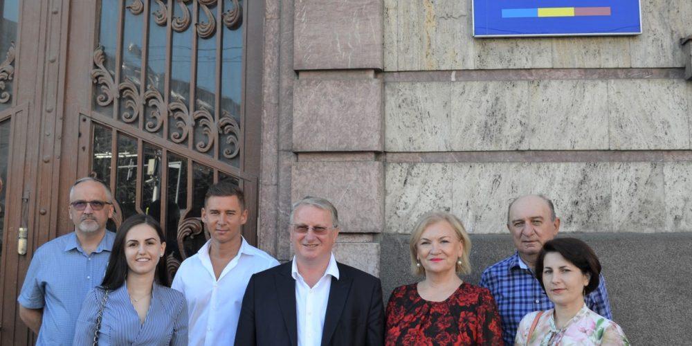 Candidații PRO România Cluj au depus primii dosarele de candidaturi pentru din 27 septembrie