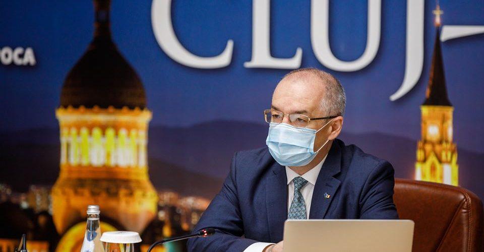 Primarul Emil Boc recomadă clujenilor purtarea măştii în spaţiile aglomerate