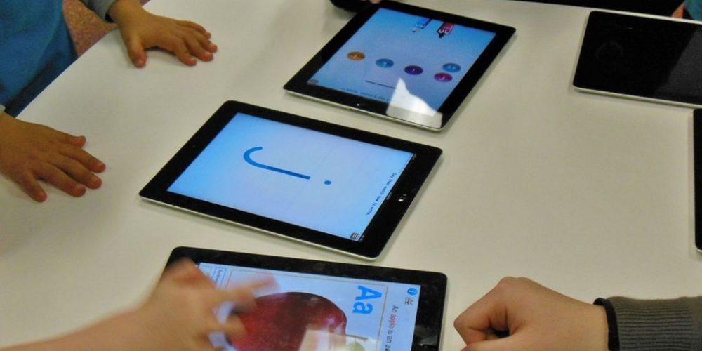 Numai o parte din tabletele promise vor ajunge la copiii care au nevoie pentru cursurile online