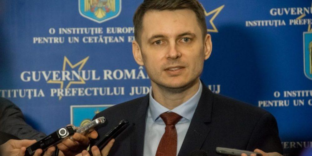 """Prefectul de Cluj:  """"Dacă nu limităm la maxim deplasările și interacțiunea socială, dacă nu respectăm întocmai regulile sanitare, în ritmul actual de creștere, nu vom putea evita carantinarea"""""""