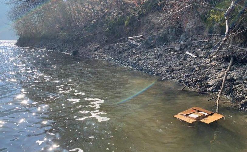 Sistarea alimentării cu apă din lacul Tarnița, după ce au fost găsite medicamente expirate în apă